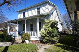 hamburg two story home sold july 2020